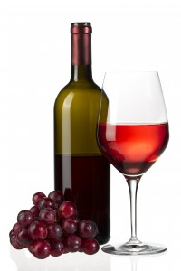 Kozzi-red_wine_and_grapes-3264x4896-200x300